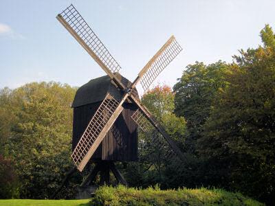alte Mühle aus Holz