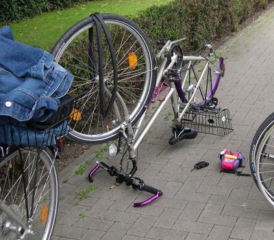 auseinandergebautes Fahrrad